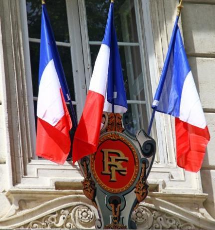 Avocat en droit des collectivités territoriales à Versailles et Paris 9